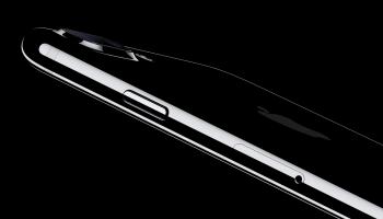 'Glazen ontwerp voor opvolger iPhone 7 en 7 Plus'
