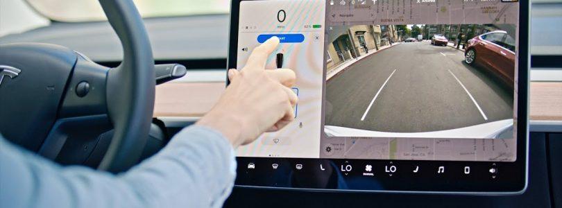 Elon Musk praat over Tesla V10-update en vernieuwde mobiele app