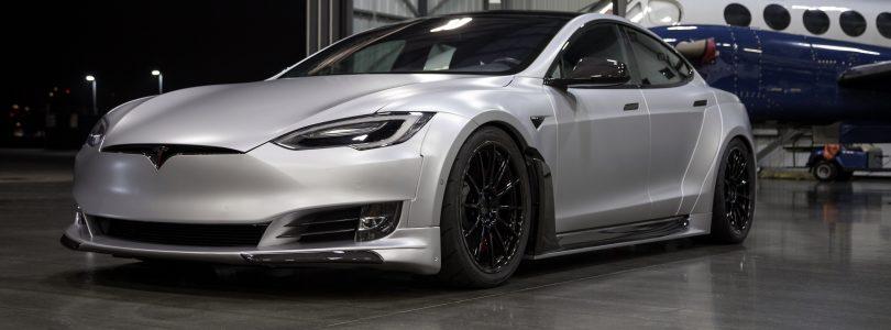 Unplugged Performance toont prachtige Tesla Model S met S-APEX-upgrade